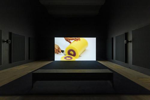 """Mika Rottenberg, """"Spaghetti Blockchain"""", 2019."""