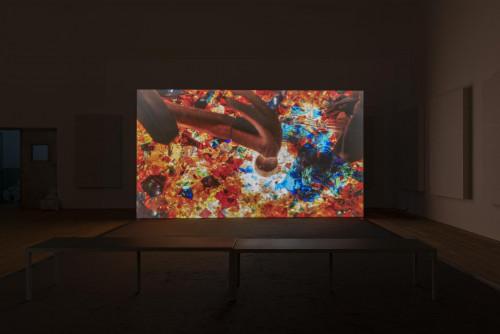 "Mika Rottenberg, ""Cosmic Generator"", 2017."